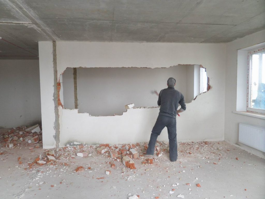 Демонтаж перегородок в Одессе
