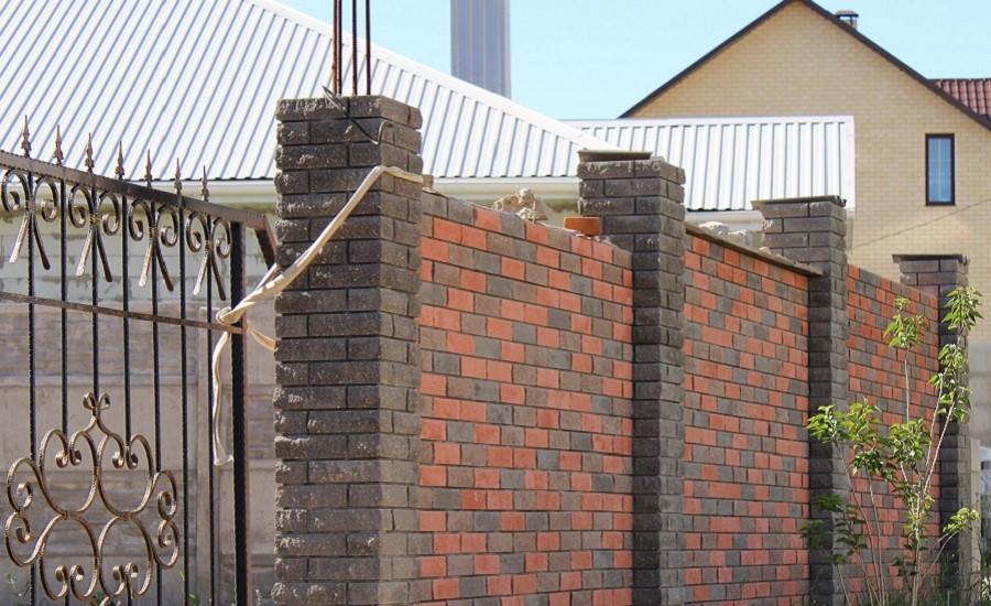 Строительство заборов из облицовочного кирпича в городе Одессе