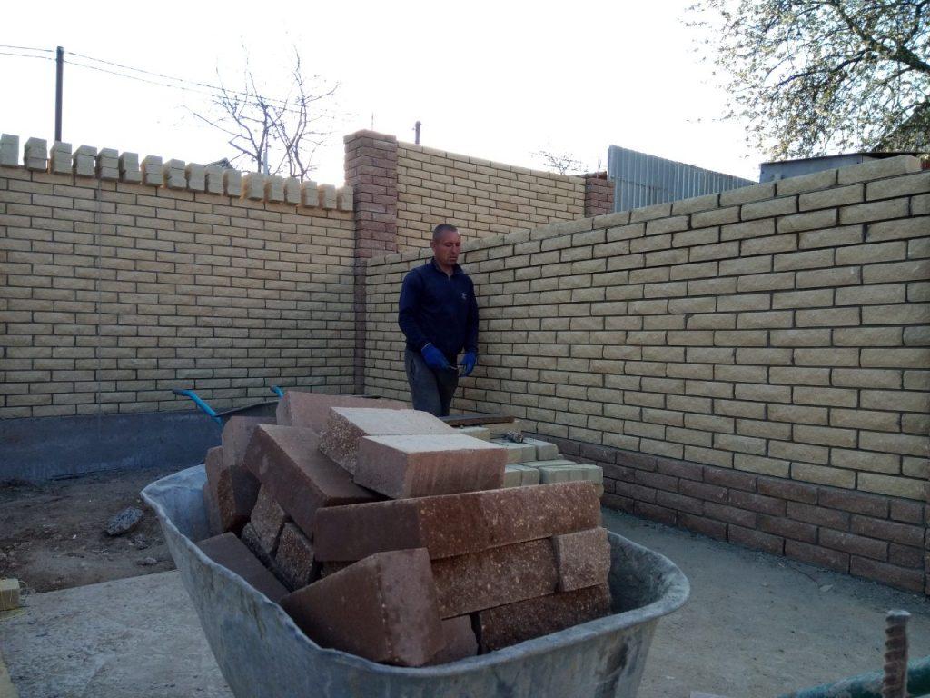 Строительство забора из кирпича Скала Одесса