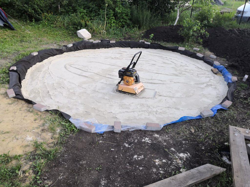 Бетонная площадка под каркасный бассейн